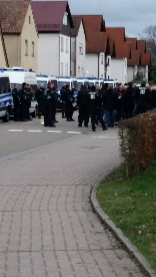 kandel--demo wird gestoppt--polizei